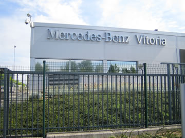Mercedes Benz Vitoria renueva su Nave 115